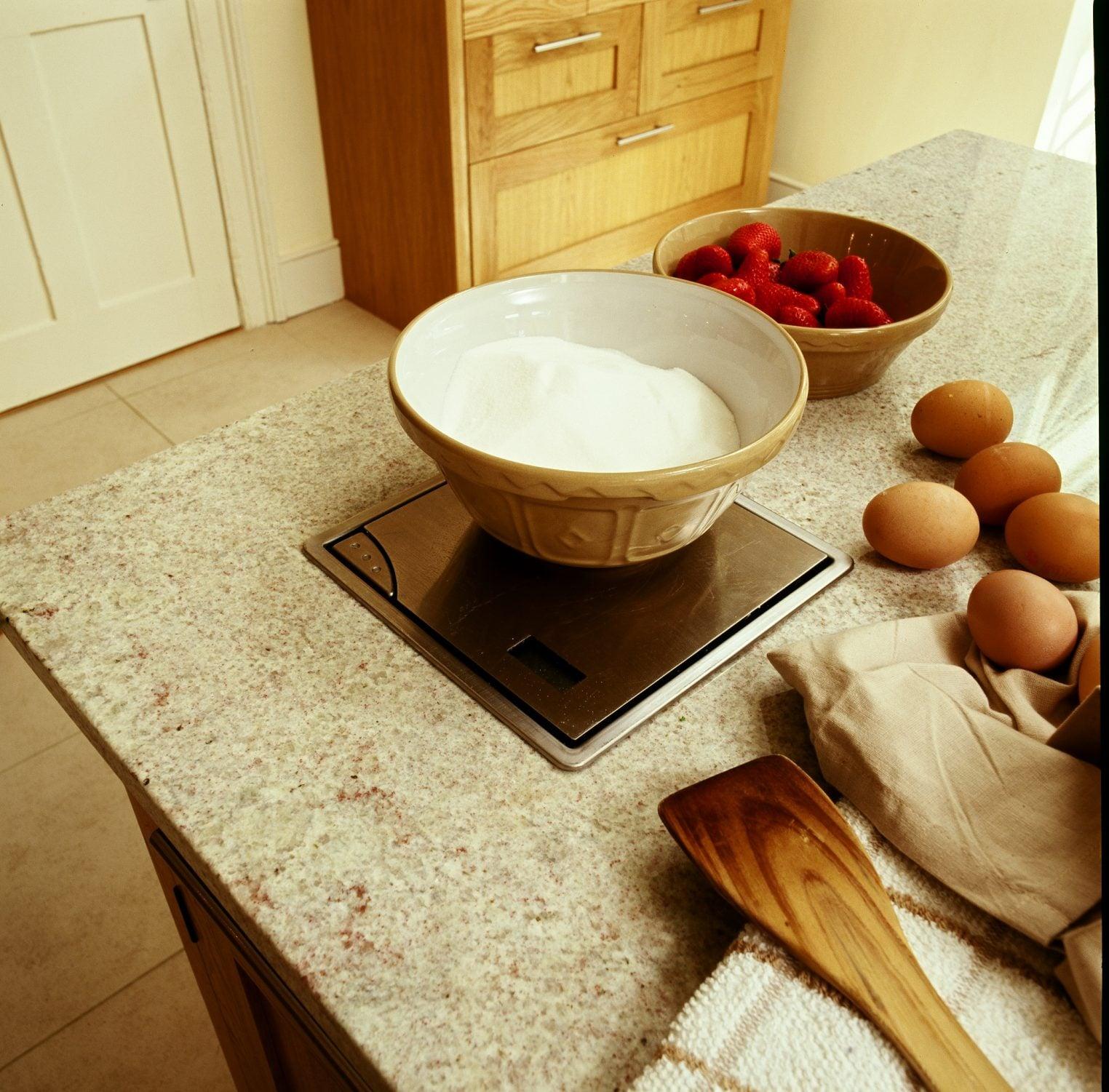 A traditional country oak bespoke kitchen